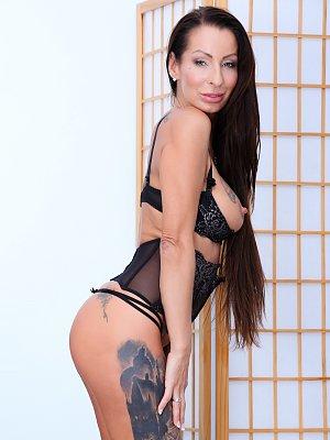 Valentina Sierra Anal