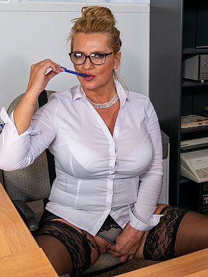 Busty Office Wife