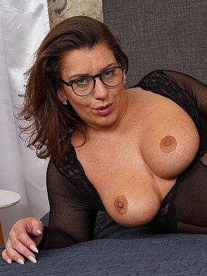 Busty Wife Zora
