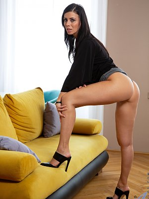 Hot Vicky Love