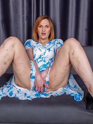 Sexy amateur Redhead MILF